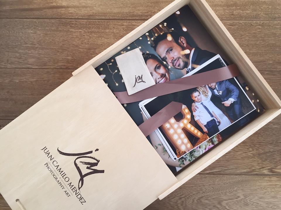 álbum de bodas, álbum de matrimonios, bodas, Bodas Cartagena, Bodas Colombia, Bodas Medellín, Bodas Miami, Fotografo de bodas Bogotá, Fotografo de bodas Cartagena, Fotografo de bodas Colombia, Fotografo de bodas Miami, Book de bodas, Fotografo de bodas Medellín, fotos de bodas Colombia, Photobook de matrimonios colombia, Matrimonio en Santa Fé de Antioquia, matrimonios, Mejores fotógrafos de bodas Bogotá, Mejores fotógrafos de bodas Cartagena, Mejores fotógrafos de bodas Medellín, parejas, Wedding in Bogotá, Wedding in Cartagena, Wedding in Medellín, Wedding in Miami, Wedding in NYC, Wedding in Santa Fé de Antioquia, Wedding in Ville de Leyva, Mejores lugares para casarse en Cartagena,Mejores lugares para casarse en Medellín, Zankyou Bodas, Zankyou mejores fotógrafos