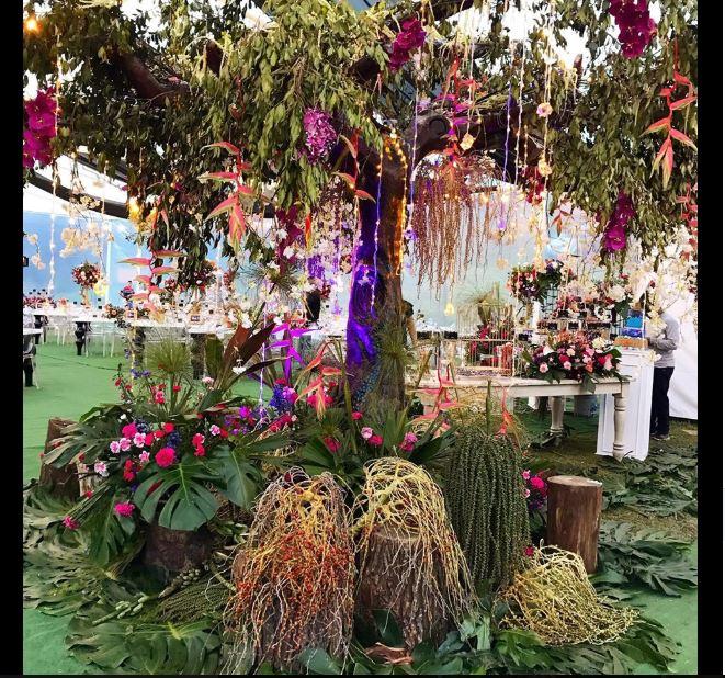 Arbol decorado para evento