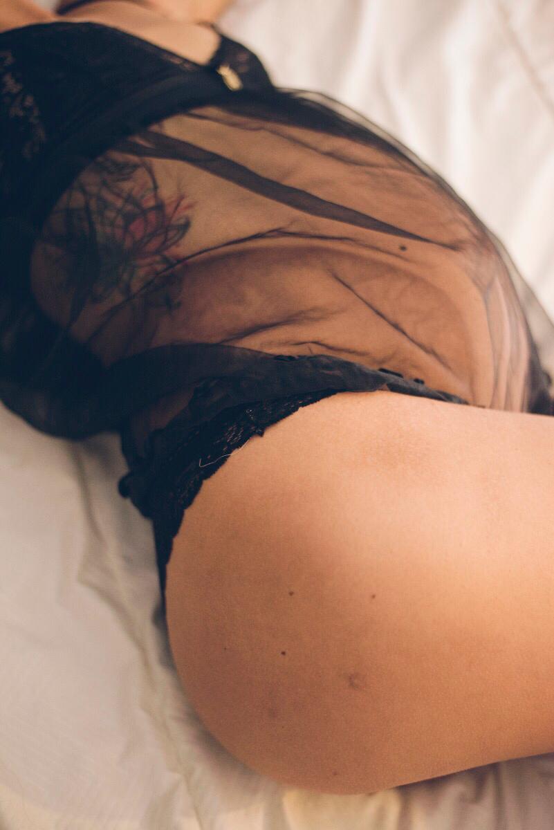 Fotografía Boudoir, una experiencia para mujeres embarazadas.