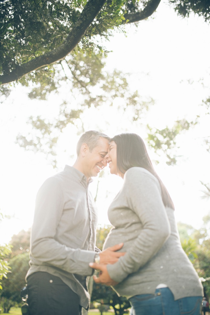 Sesión de fotos en pareja, con embarazada
